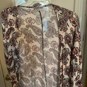 Lace bottom paisley print kimono